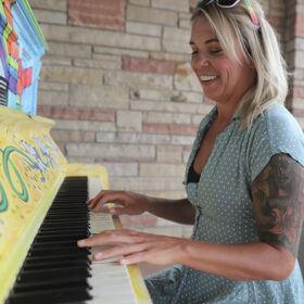 Free Piano Bar with Christine Hetfield
